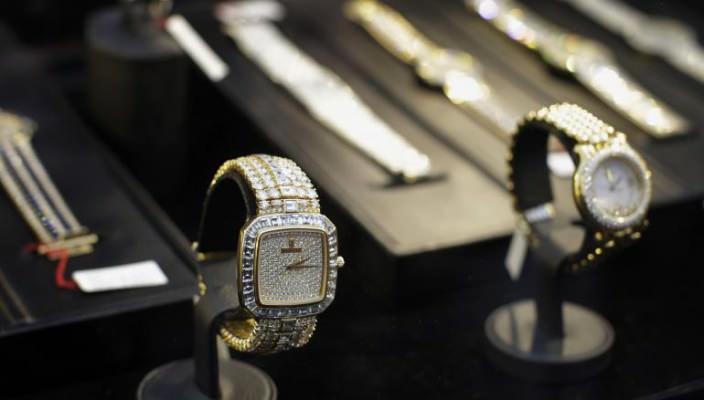 Часы Владимиро Монтесиноса