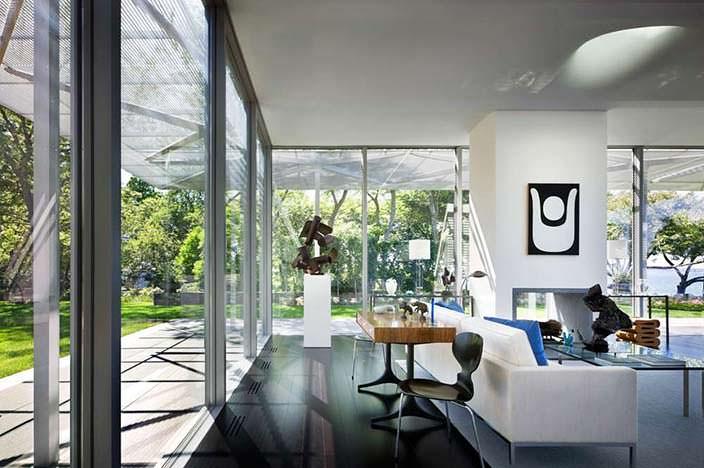 Интерьер стеклянного дома