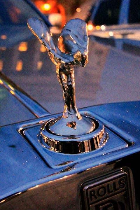 Фото | Статуэтка на капоте Rolls-Royce Phantom