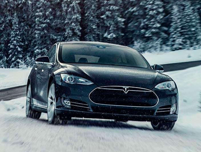 Зимняя фотосессия Tesla Model S P85D