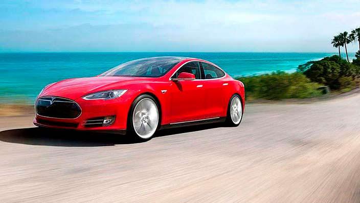 Фото | Красная Tesla Model S P85D