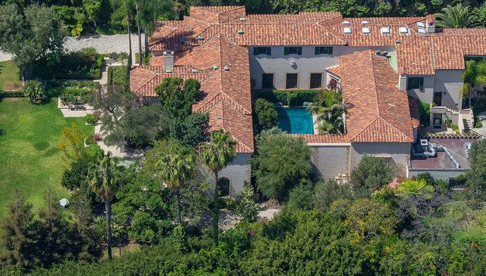 Дом Антонио Бандераса и Гриффит в Голливуде продается | фото