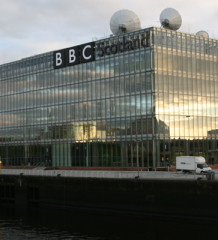 Доход BBC упал на $234,2 млн. Канал уволит 1 000 сотрудников