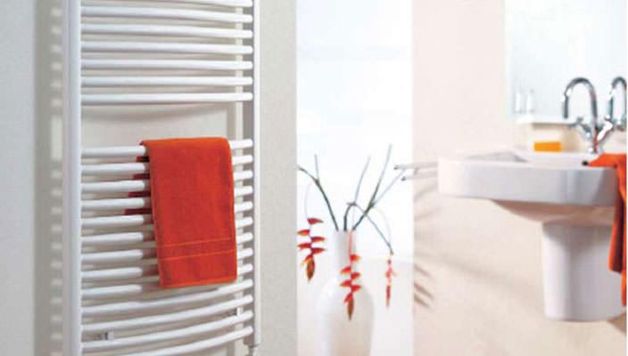 Какие есть виды полотенцесушителей для ванной