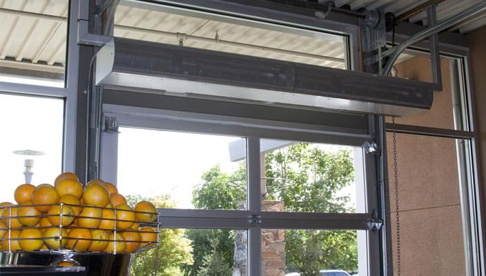 Использование воздушной тепловой завесы зимой