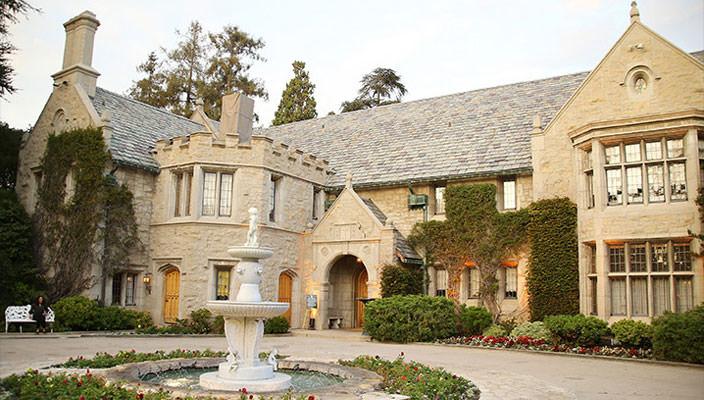 Вилла Хью Хефнера Playboy Mansion продается | фото, цена