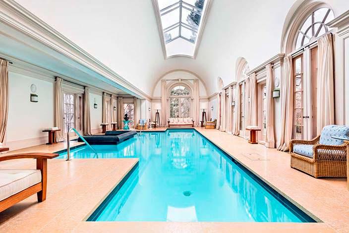 Фото | Крытый бассейн в частном доме Конрада Блэка