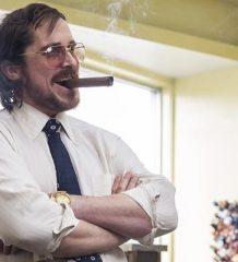 Кристиан Бэйл в роли Ирвинга Розенфельда. «Афера по-американски», 2013 год