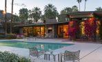 Дом Кирка Дугласа в Палм-Спрингс, штат Калифорния, США