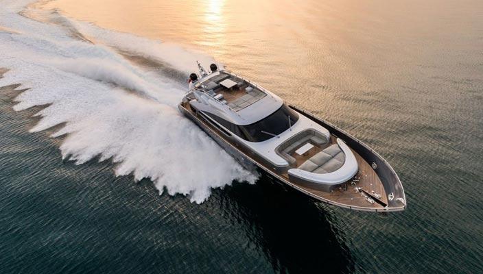Скоростная яхта Spectre от итальянской верфи AB Yachts