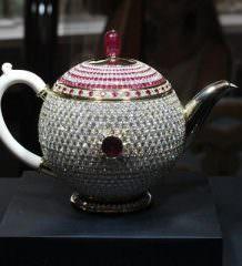 Самый дорогой чайник в мире Scavia Egoist