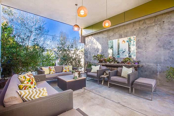 Гостиная в современном доме от Abramson Teiger Architects