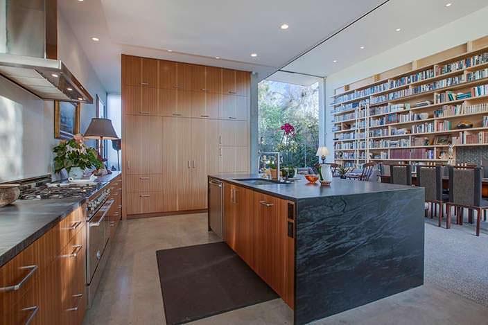 Кухня в современном доме от Abramson Teiger Architects