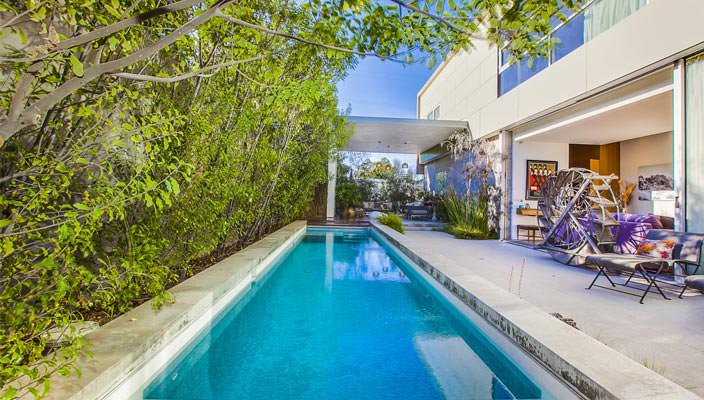 Дом Эмилии Кларк в Лос-Анджелесе за 4,64 млн долл.