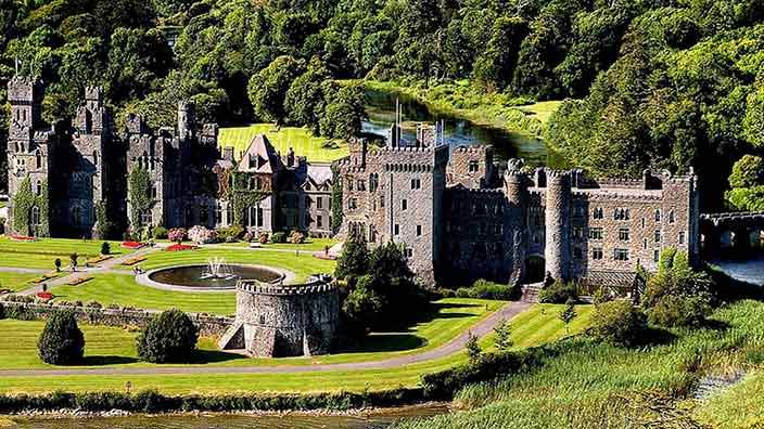 Королевские покои в отеле-замке Ashford Castle, Ирландия