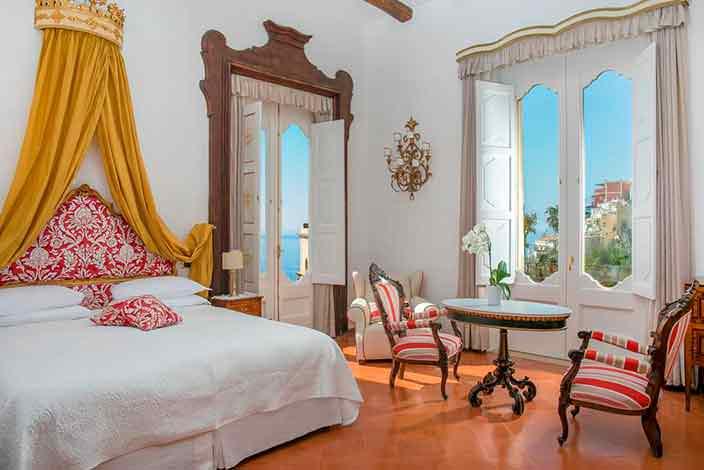 Королевский номер в отеле Palazzo Murat в Позитано, Италия