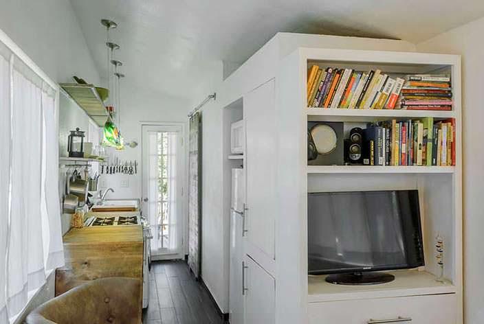 Практичный интерьер дома
