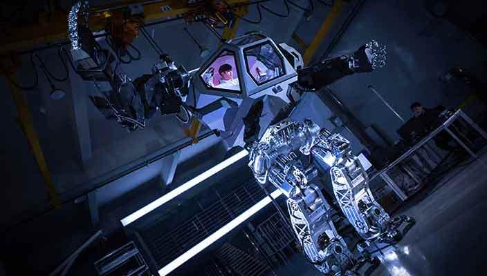 METHOD-2: первый пилотируемый человекоподобный робот в мире