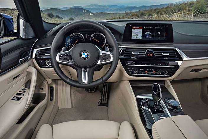Фото салона BMW 5-Series Touring G31