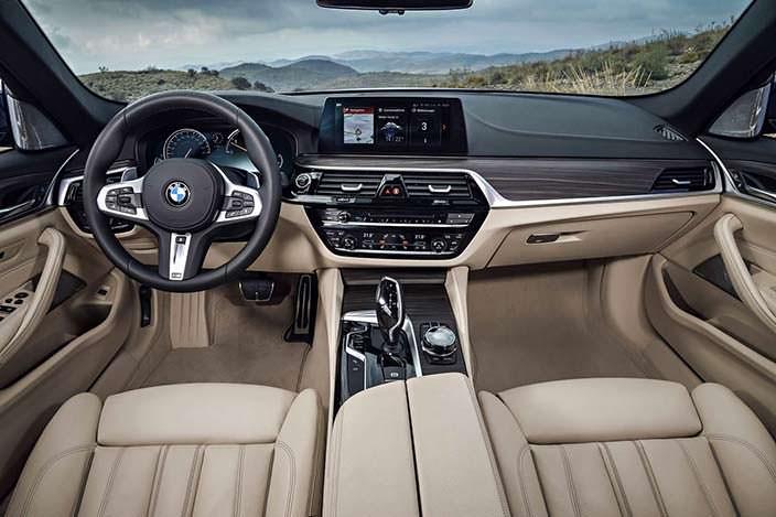Салон BMW 5-Series Touring G31