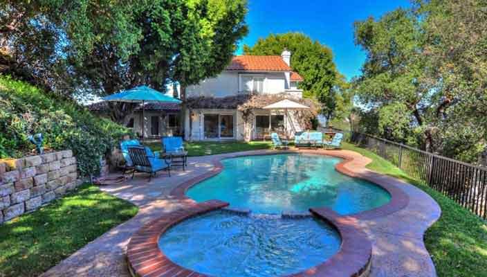 Модель Дакота Фэннинг продает дом в Голливуде | фото и цена