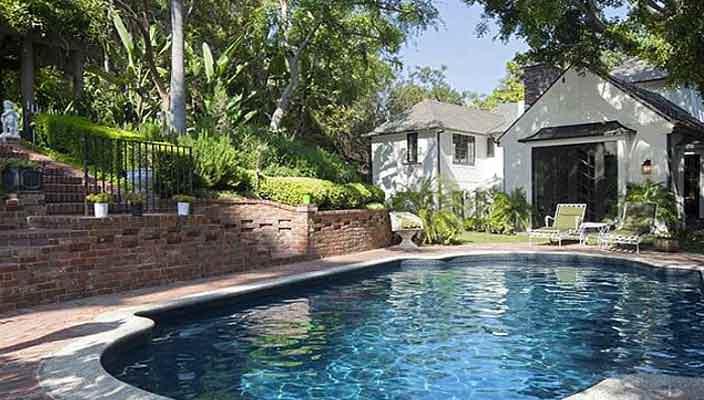 Джейсон Сигел продает дом в Голливуде | фото, цена