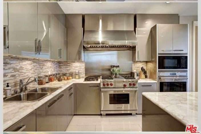 Датская кухня в квартире