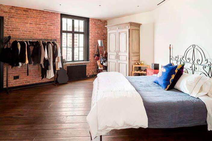 Спальня с видом на Нью-Йорк