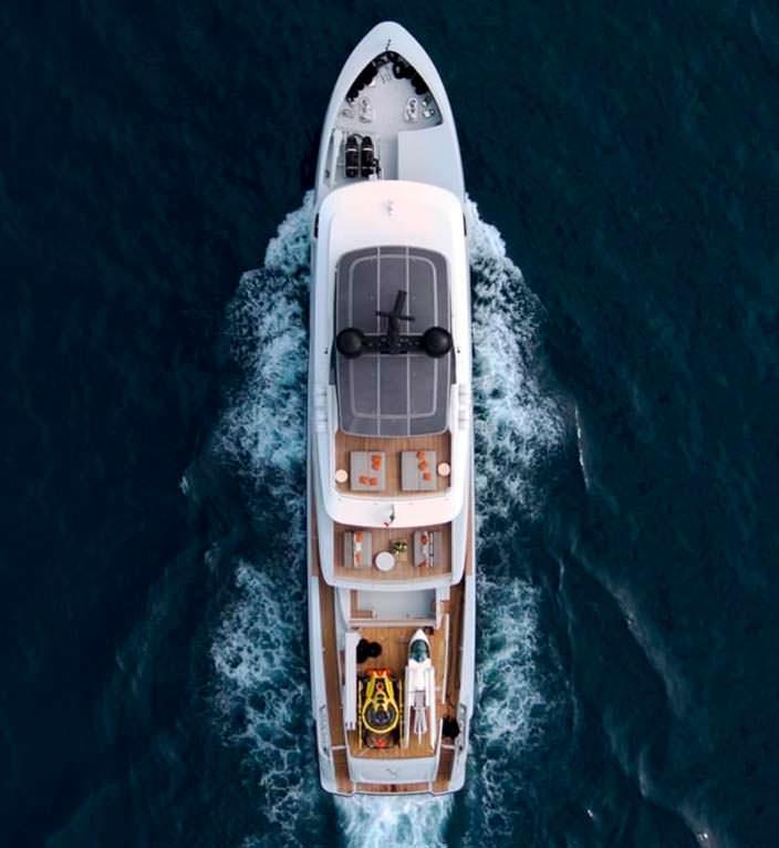 Яхта для экспедиций 460EXP