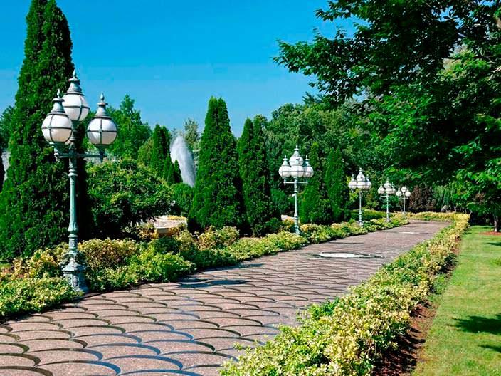 Сады на территории виллы Тимура Сапира