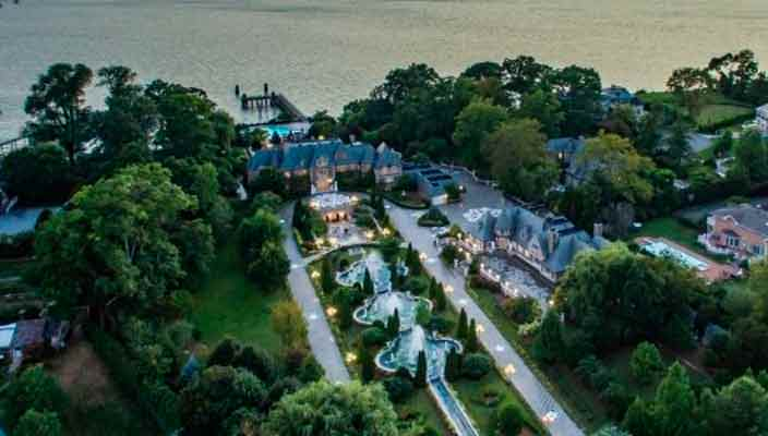 Продается дом Гэтсби на Лонг-Айленде. Вилла на фото и цена