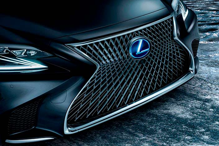 Радиаторная решетка Lexus LS 500h