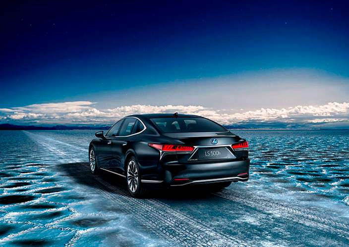 Новое поколение Lexus LS 500h