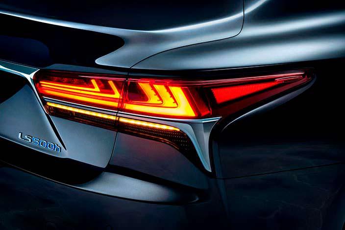 Задние фонари Lexus LS 500h