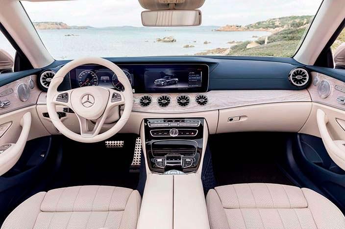 Салон Mercedes-Benz E-Class Convertible