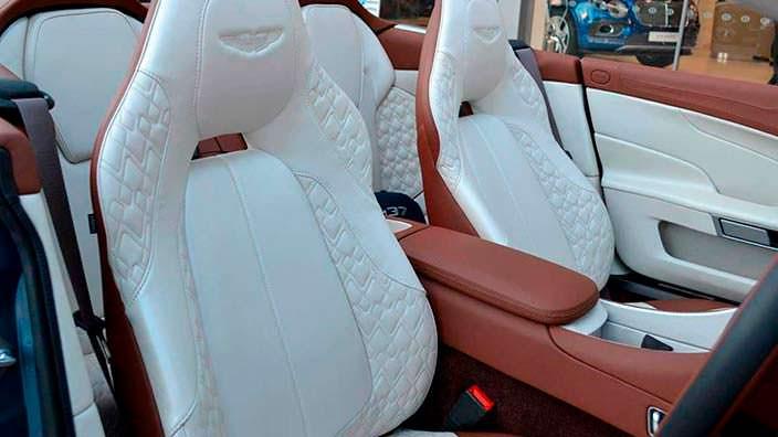 Фото | Салон Aston Martin Vanquish Volante AM37