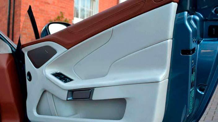 Фото | Обшивка двери Aston Martin Vanquish Volante AM37