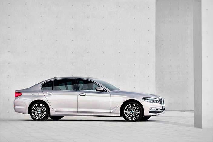 Удлиненный седан BMW 5-Series Li нового поколения 2018