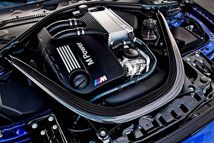 3,0-литровый турбодвигатель V6 под капотом BMW M4 CS