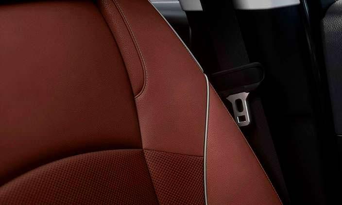 Фото | Кожаные сиденья в салоне Buick Enclave 2018 года