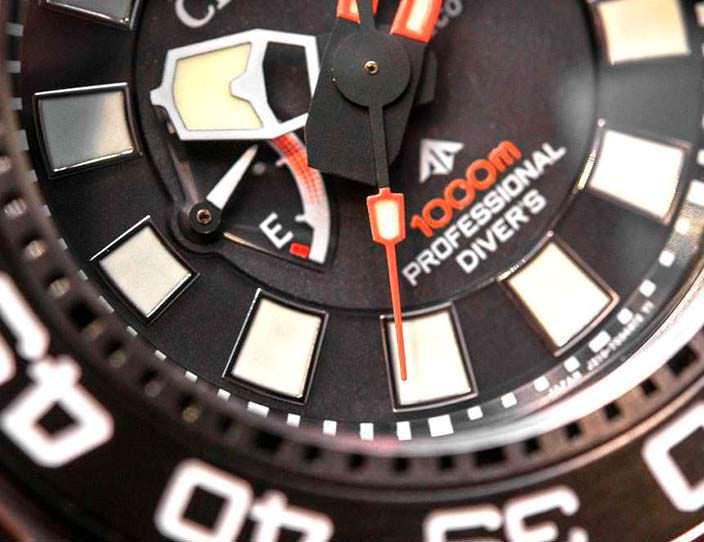 Индикатор заряда батареи часов Citizen Eco-Drive Promaster