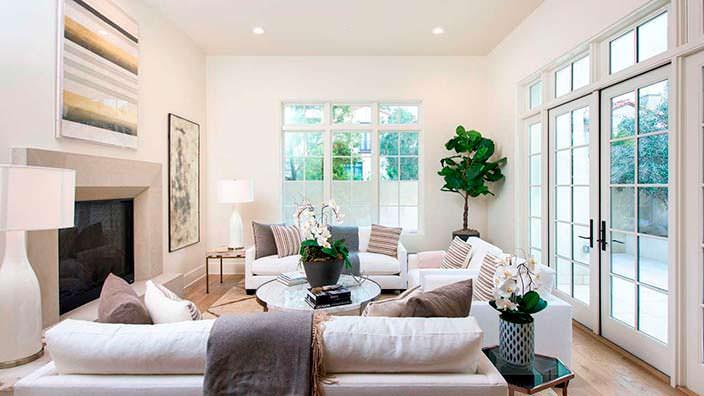 Фото | Красивая комната с камином в доме актрисы Джейн Фонда