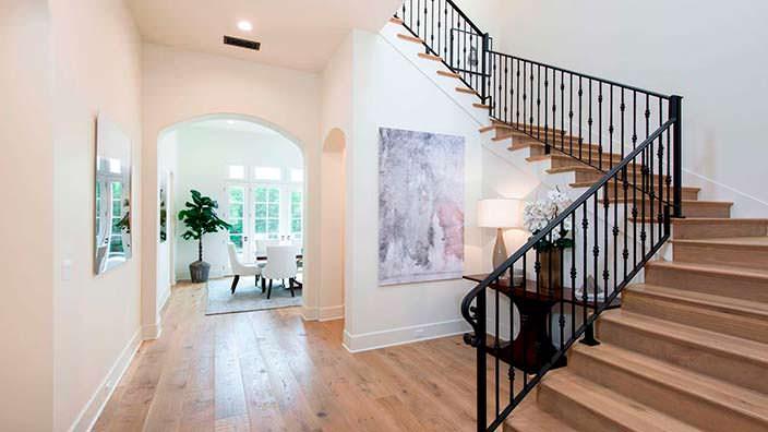 Фото | Деревянная лестница в интерьере