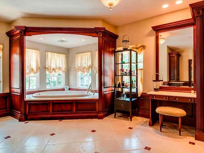 Фото | Огромная ванная комната в доме на Лонг-Айленде