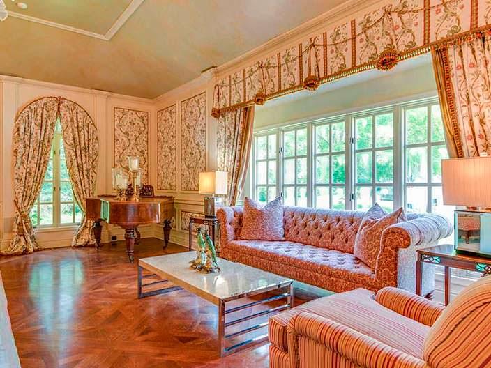 Фото | Дизайн комнаты с цветочными обоями