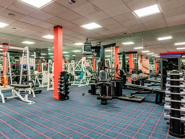 Фото | Оборудованный спортзал дома