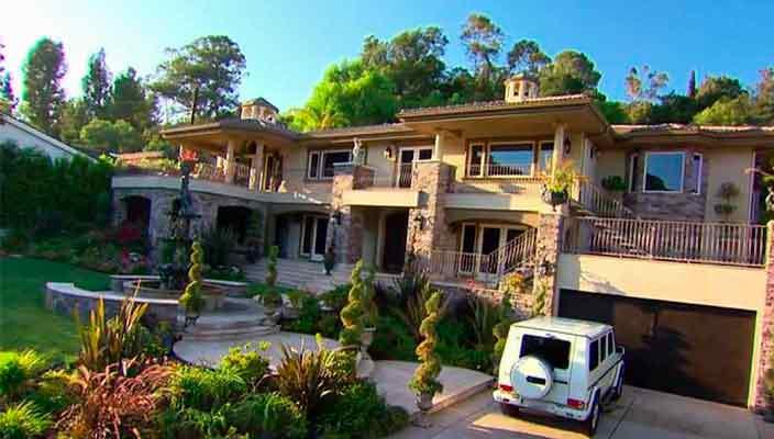 Крис Дженнер продает дом в Лос-Анджелесе | фото и цена