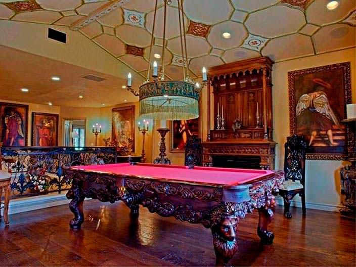 Фото | Бильярдная комната в частном доме Крис Дженнер