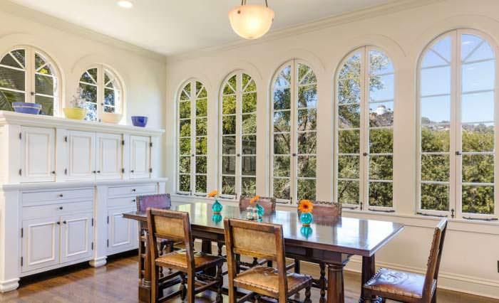 Фото | Кухня с видом на сад виллы в Лос Фелис