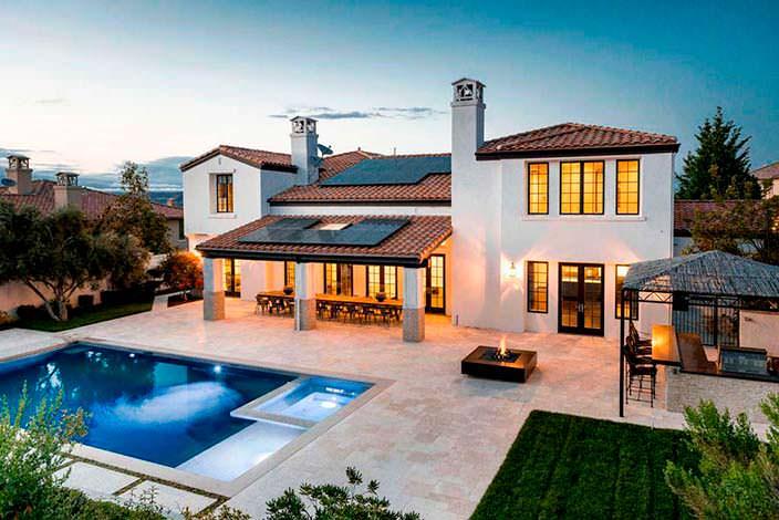 Фото | Дом в тосканском стиле модели Кайли Дженнер